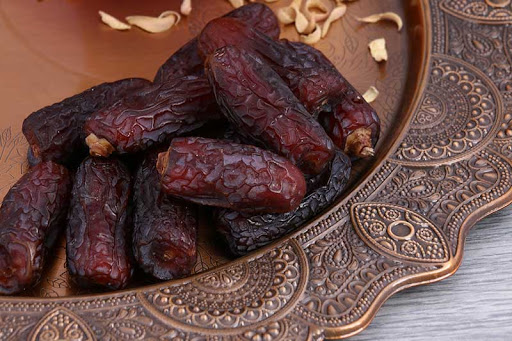 Why is Piarom the Most Expensive Date of Iran